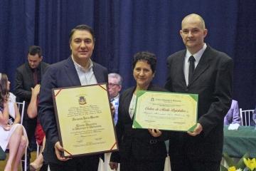 Câmara concede título de Cidadão Honorário de Medianeira ao deputado Fernando Giacobo