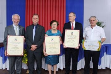 Câmara Municipal outorga Títulos de Cidadões Honorários