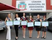Com homenagem às misses 2019, Câmara valoriza beleza e identidade da mulher medianeirense