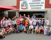 Turmas do projeto Futuro Integral do SESC/Medianeira visitam Câmara Municipal
