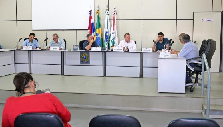Projetos do Executivo recebem parecer favorável das comissões