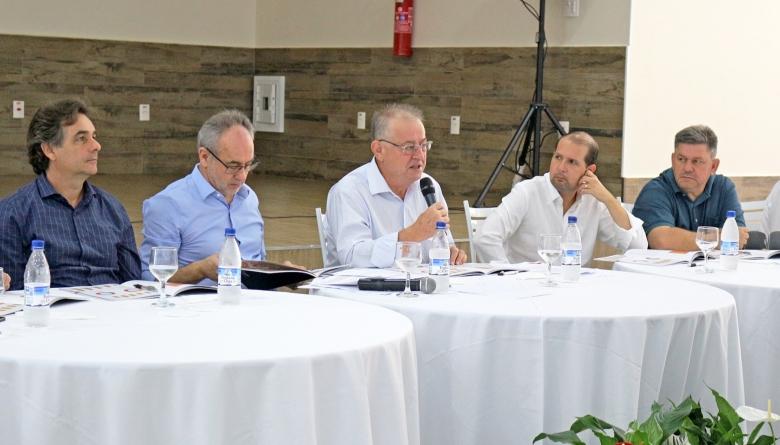 Câmara prestigia assembleia da Frimesa que presta contas com resultados positivos em ano desafiador