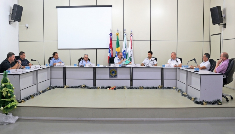 Câmara se reúne com diretores da UTFPR para discutir projeto do Executivo de doação de área