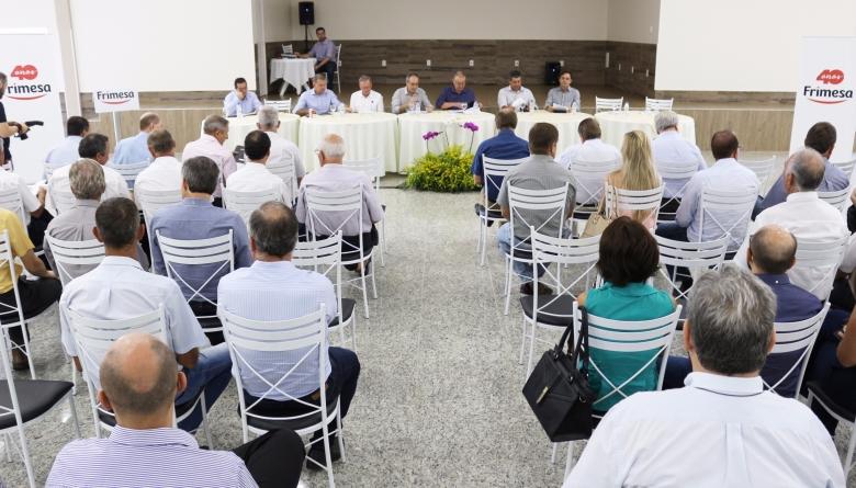 Legislativo prestigia assembleia de prestação de contas da Cooperativa Frimesa