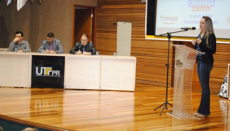 Presidente da Casa participa de banca em concurso de oratória promovido pela JCI Medianeira