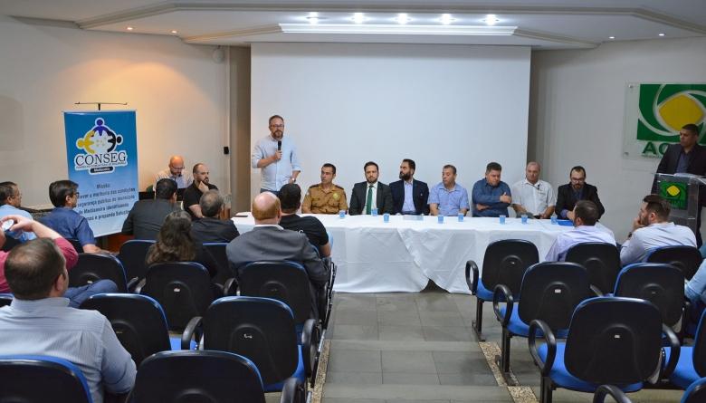 Solenidade de posse e entrega da Carta Constitutiva à diretoria do CONSEG Medianeira