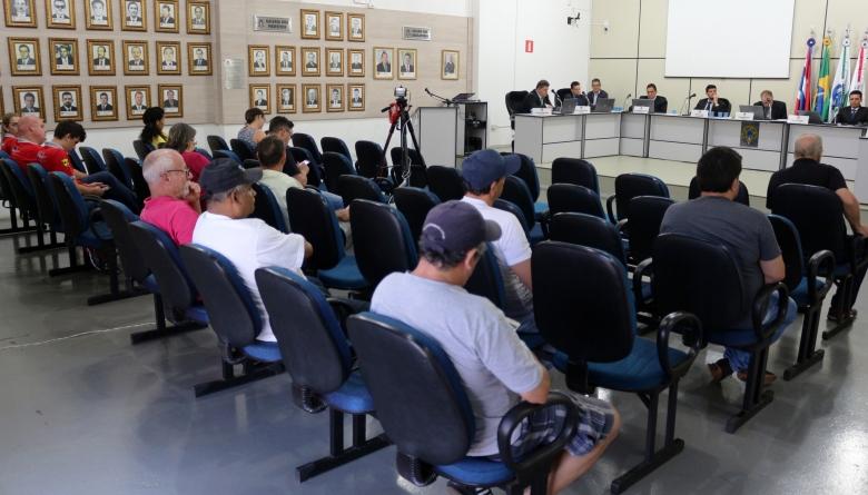 Vereadores rejeitam por 8 à 1 projeto que dispõe sobre propaganda com som de rua