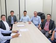 Caixa apresenta investimentos e contratos realizados com o município