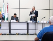 Câmara aprova contas do Executivo de 2012 e absolve ex-prefeito Elias Carrer de ação do TCE/PR