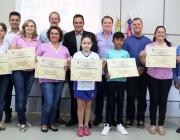 Câmara homenageia alunos e professores premiados a nível nacional no 8º Concurso de Desenho e Redação