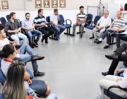 Mesa Diretiva se reúne com servidores efetivos para conhecer sistema de trabalho da Câmara