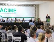 Nova diretoria da Acime é empossada em solenidade festiva com presença de vereadores