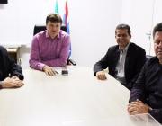 Prefeito Ricardo Endrigo recebe Vereadores em seu gabinete para conversa sobre andamento de projetos