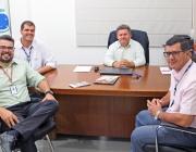 Presidente da Câmara de Medianeira recebe visita de representantes do Sesc Senac