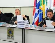 Presidente exibe em Ordinária prestação de contas anual dos anos de 2009 a 2011 e vereadora requer votos de pesar em nome da Câmara ao Dr. Eduardo