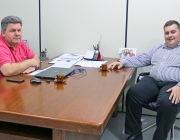 Presidente recebe visita de secretário parlamentar do deputado federal Vermelho