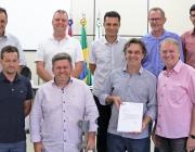 Vereadores entregam Peças Orçamentárias de 2019 a prefeito em exercício