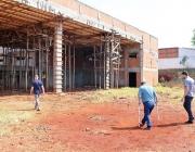 Vereadores verificam denúncia de furto de materiais na obra do CEEP